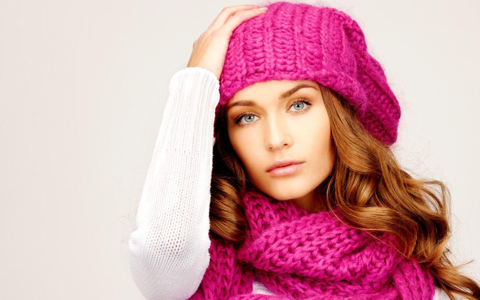 Вязание шапки модной 49