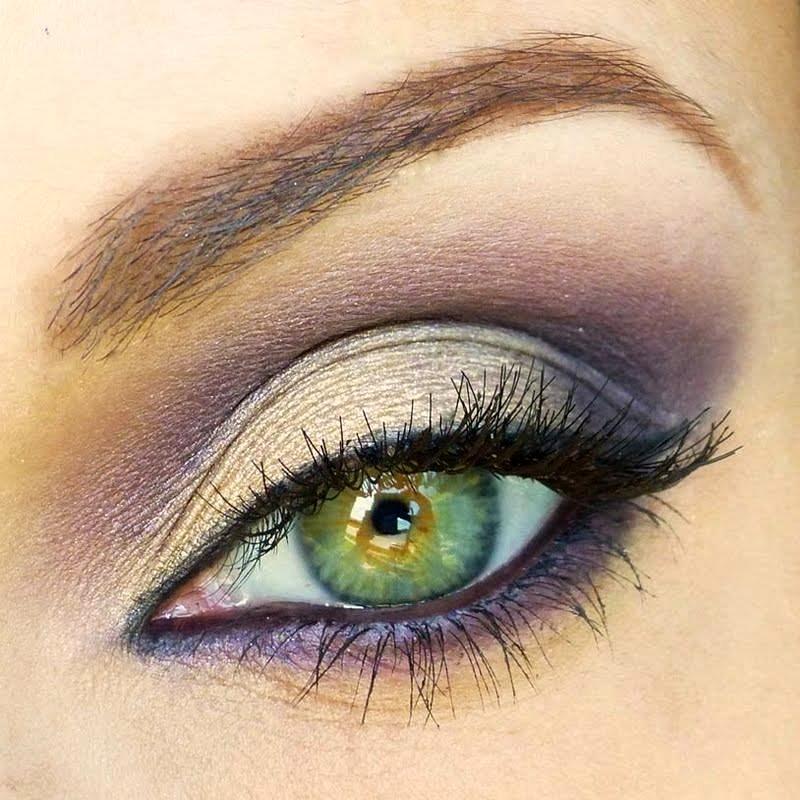 Green eye makeup 2