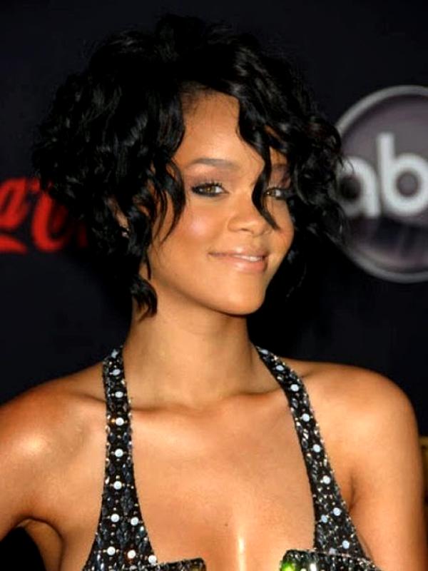 фото женских стрижек на волосы средней длины фото