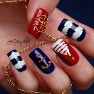 Дизайн ногтей в морском стиле