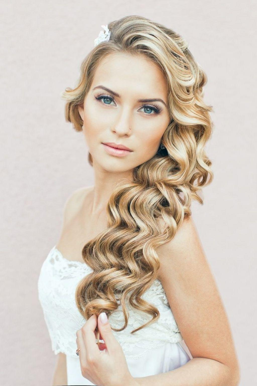 Свадебные причёски на длинные кудрявые волосы