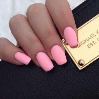 Розовые матовые ногти фото