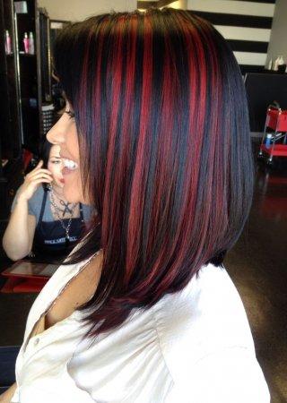 красное мелирование на черных волосах фото