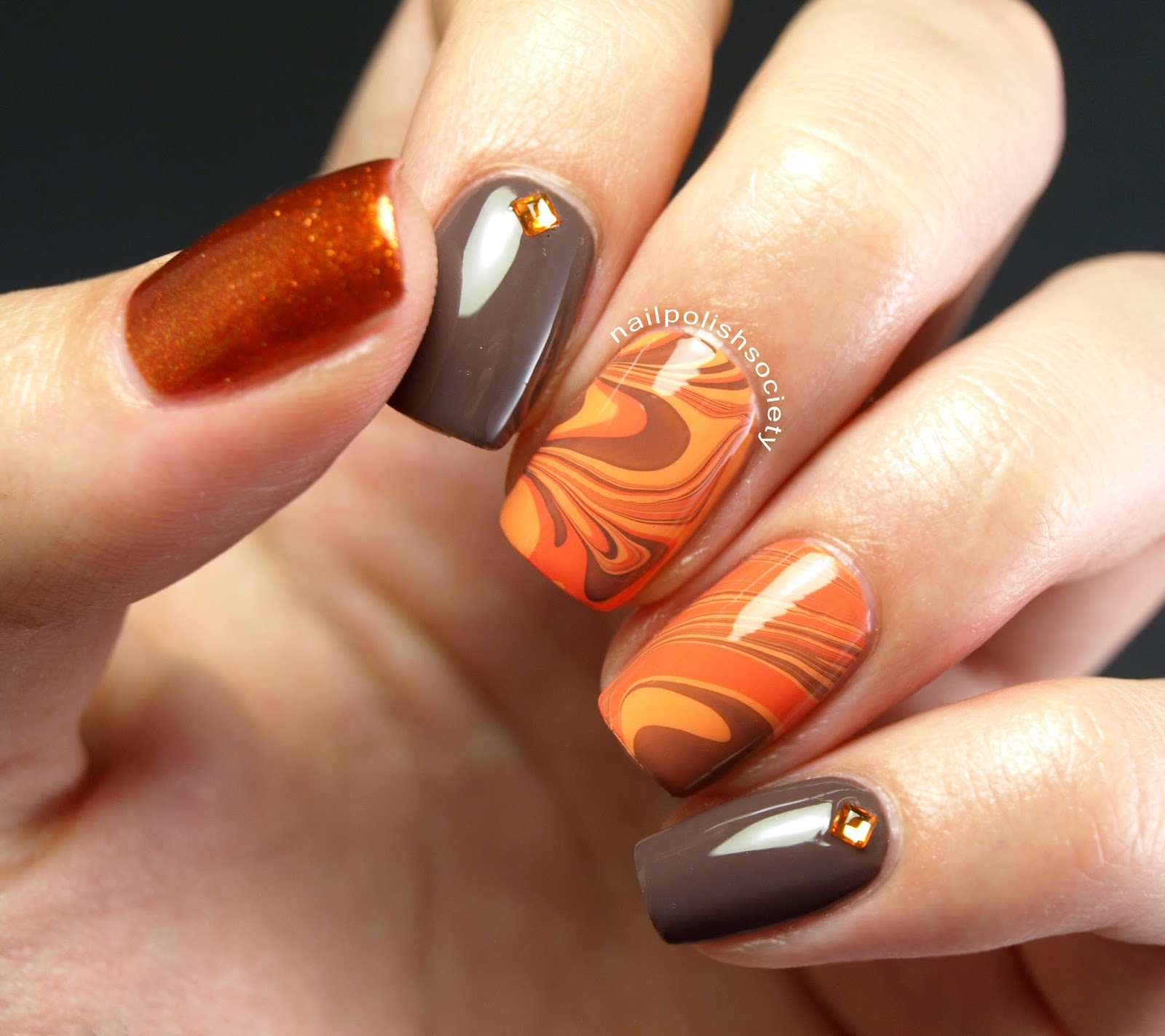 Модный маникюр осень ногтей