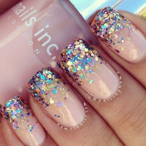 Ногти яркие блестки
