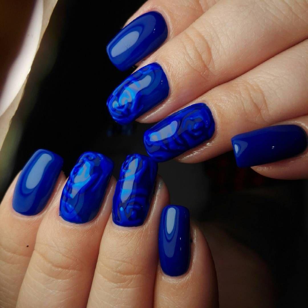 Дизайн ногтей красно синий фото
