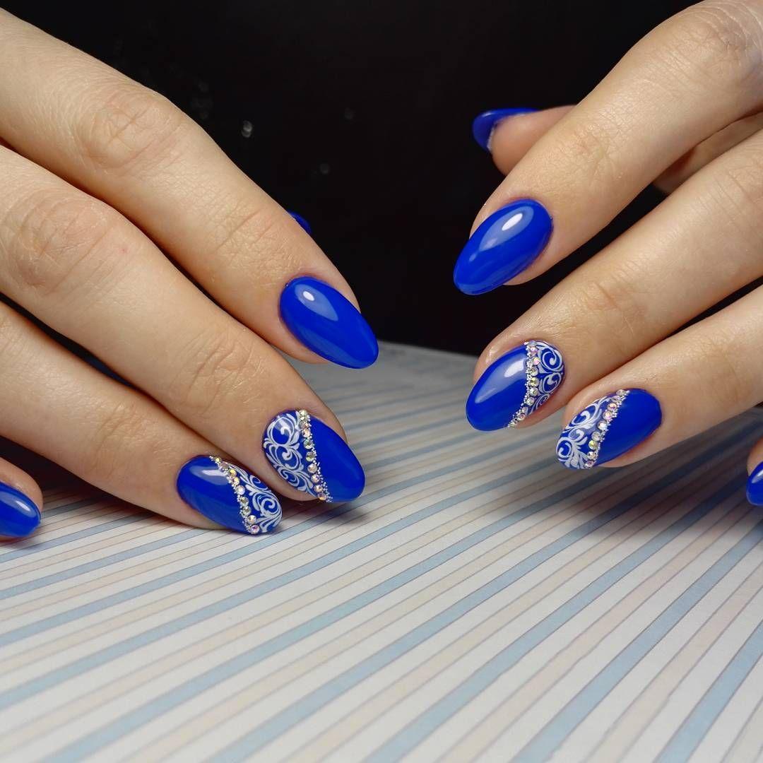 Ногти фото с лаком синего цвета